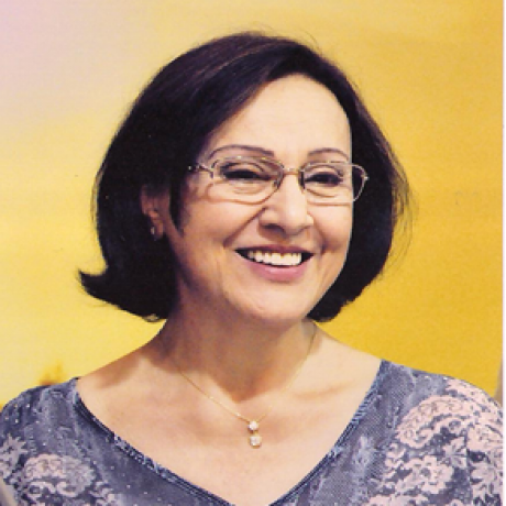 Profa. Dra. Beth Somera
